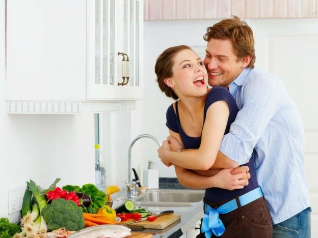 12 Cara Romantis Isteri Nak Suami Buat, Tak Susah Pun Tapi Kalau Buat Gerenti Isteri Terlebih Sayang