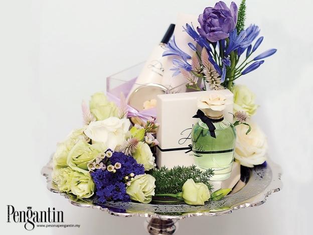 Bunga Ungu Dan Putih Cipta Tarikan Sendiri
