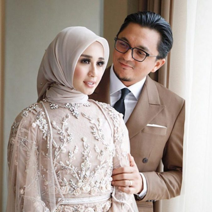 Sweet Betul Engku Emran Buat Surprise Untuk Bella! Tak Berkelip Tengok Gambar Kahwin Mereka Di Bandung