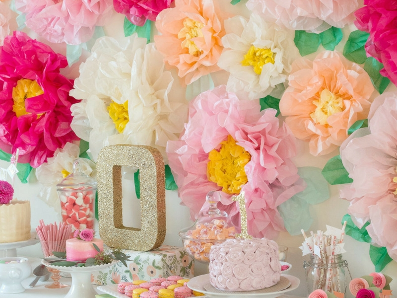 (TUTORIAL) Idea Pelamin Dengan Hiasan Bunga Tisu Buatan Sendiri, Senang Saja Nak Buat!