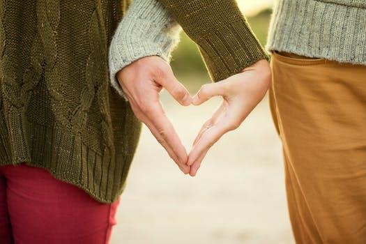 Buat 6 Perkara Ini Kalau Nak Hubungan Dengan Pasangan Sentiasa 'Sweet'