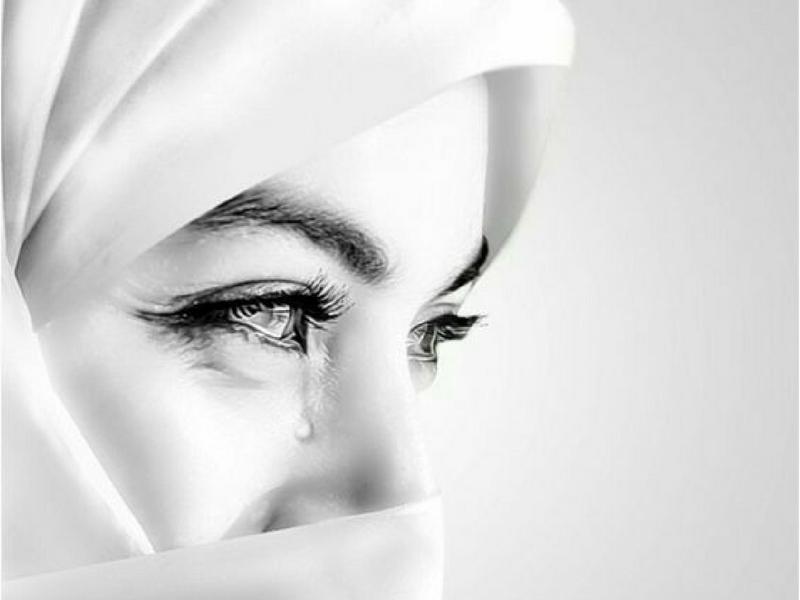 Jangan Biarkan Isteri Menangis Sendirian, Peluklah Agar Dirinya Merasa Diperlukan
