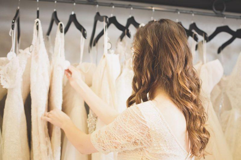 7 Kesilapan Besar Yang Perlu Anda Elak Ketika Memilih Baju Pengantin, Pastikan Jangan Buat!