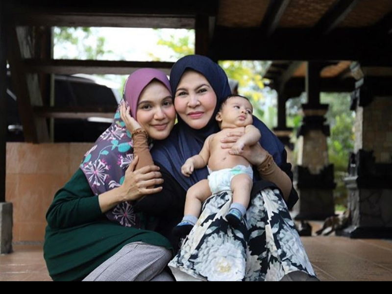 Doakan Anak Bertemu Jodoh Yang Baik Sejak Umur 12 Tahun. Tak Terkejutlah Kenapa Datin Shahida Jadi Kesayangan